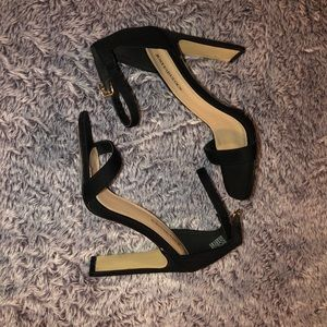 Black Windsor block heels size 6!
